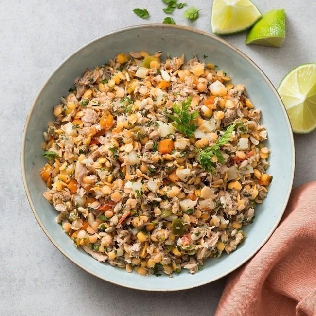 Salade de thon blanc, lentilles corail et petits légumes, vinaigrette fleur de thym
