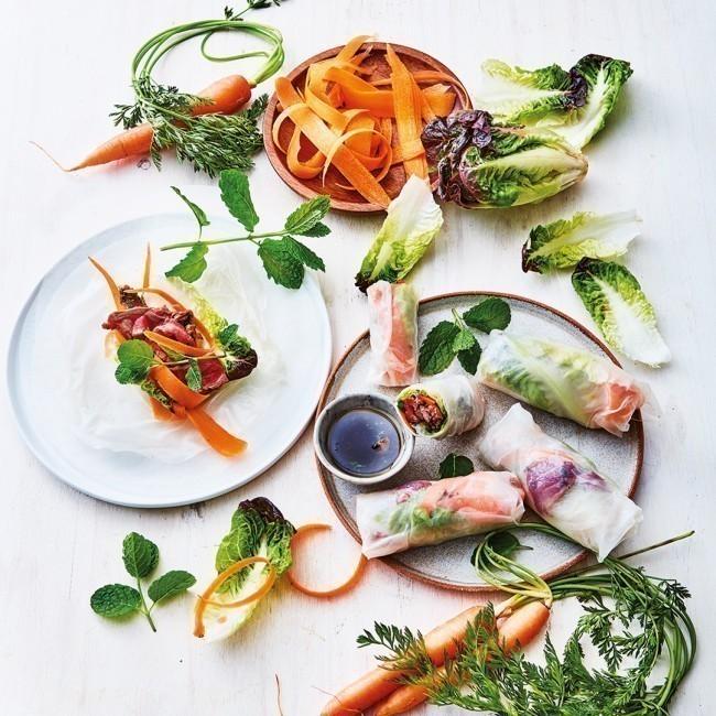 Rouleaux de printemps au bœuf mariné et salade fraîcheur