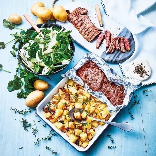 Pièce de bœuf,  pommes de terre   rôti au four et salade de cresson & fenouil